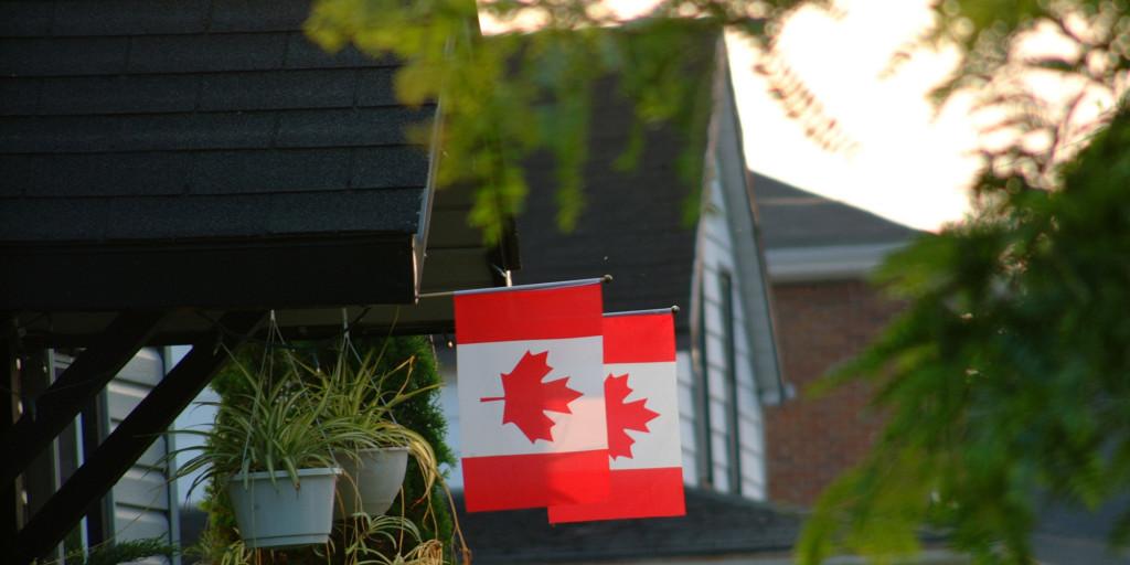 o-CANADIAN-FLAG-ON-HOUSE