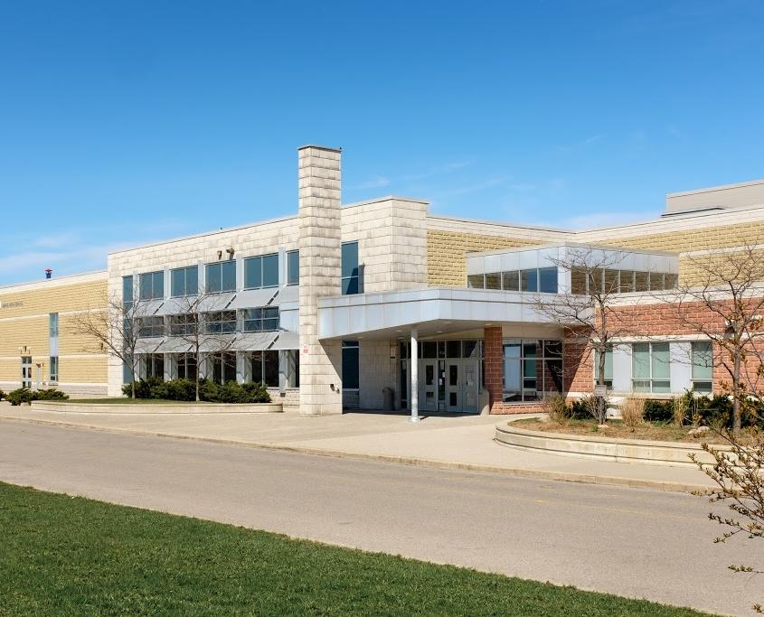 schools in Maple Ontario